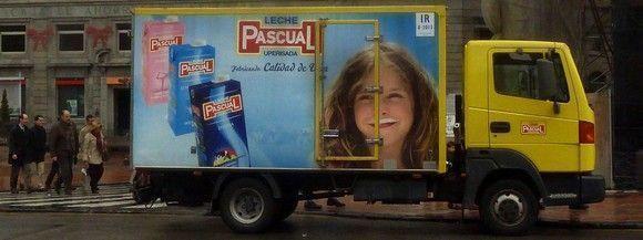 Leche Pascual organiza una feria de seguridad laboral