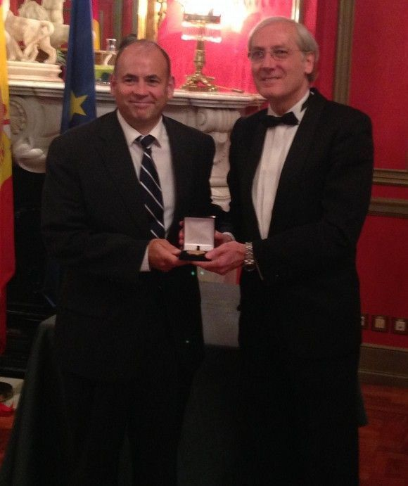 El Director de la Cátedra de Prevención y RSC de la UMA, Juan Carlos Rubio, Premiado con la Medalla de Oro por el Foro Europa 2001