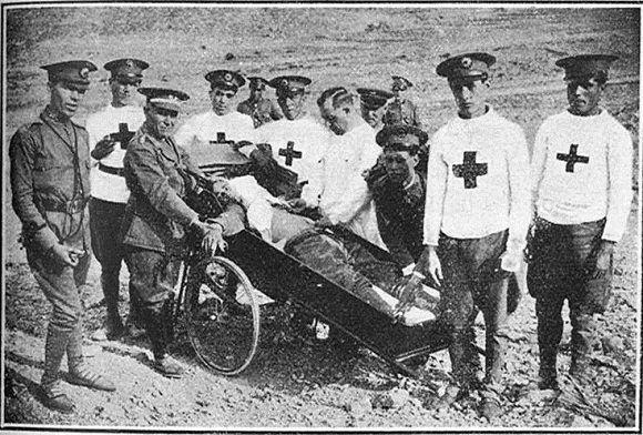 1932 Ibiza, práctica de vendajes en maniobras de Cruz roja Flickr