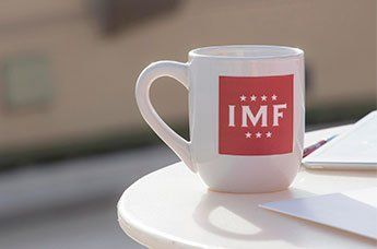 Grupo IMF pone en marcha en Bolivia un Programa de Becas de más de 100.000 euros