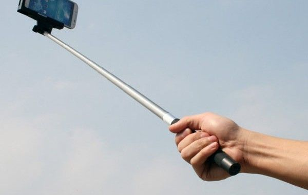 Tomarse un 'selfie' con sus compañeros de trabajo le costó la vida a un obrero