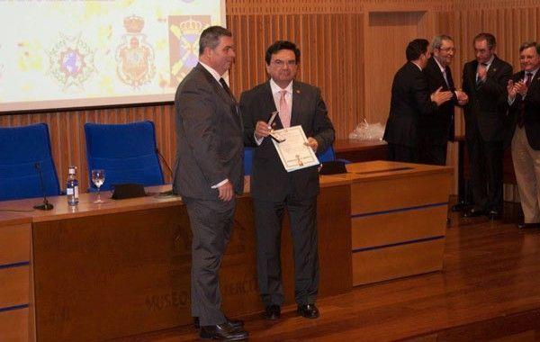 """Medalla """"Civismo y Dedicación Internacional"""""""