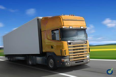 Una tesis de la UJI aborda el vacío normativo existente sobre los riesgos laborales en el transporte por carretera de mercancías peligrosas