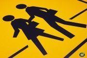 Diseñan un paso de peatones que avisa al conductor de la presencia de viandantes