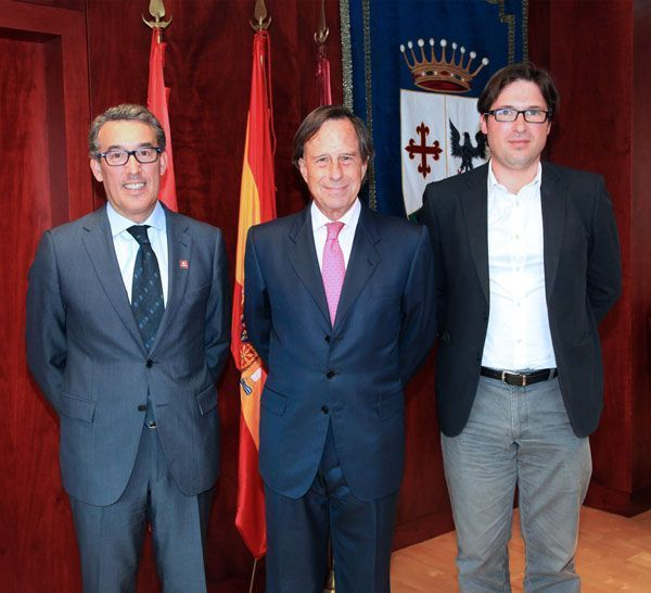 Mutua Universal y el Ayuntamiento de Alcobendas firman un convenio de colaboración para el fomento del empleo