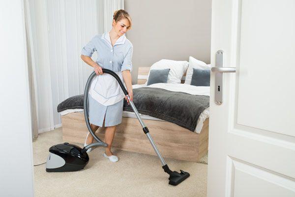 Gu a de prevenci n para camareras de piso de hoteles for Trabajo de camarera de pisos