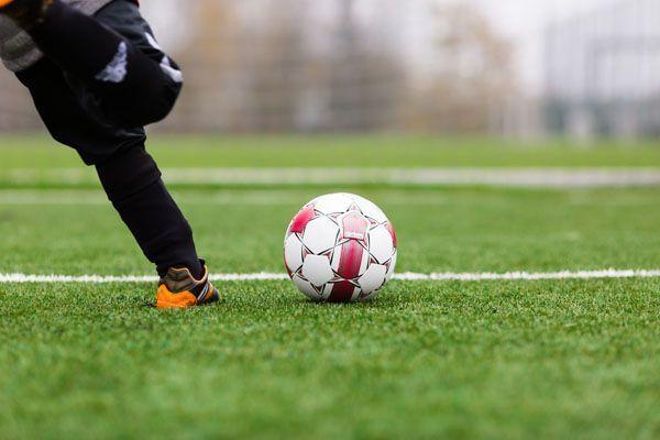 Jugar al fútbol con clientes es tiempo de trabajo ¿habría que evaluar los riesgos?