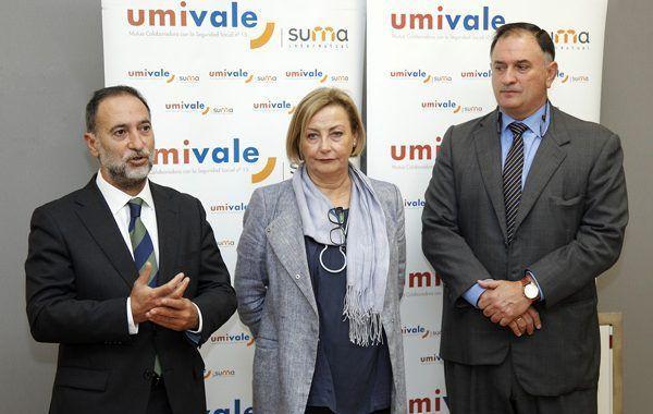 La alcaldesa de Avilés asiste a la inauguración del nuevo centro de umivale
