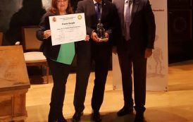 Dr. D. Rafael Ruiz Calatrava recibe el Premio Quijote de la SCMST