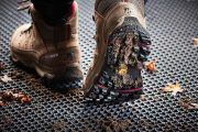 Coral Click de Forbo, el innovador sistema para zonas de acceso que limpia las suelas de nuestros zapatos