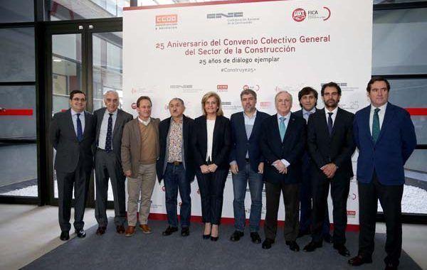 Báñez afirma que la negociación colectiva en el sector de la construcción ha sido un actor principal del desarrollo económico y social