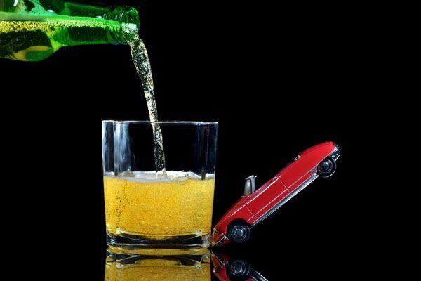 Aumentan las pruebas de alcohol y otras drogas a conductores debido a las comidas y cenas navideñas