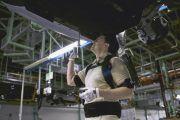Ford comienza a integrar los exoesqueletos en sus procesos productivos
