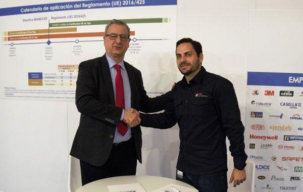 ASEPAL y PRL Bomberos firman un acuerdo de colaboración