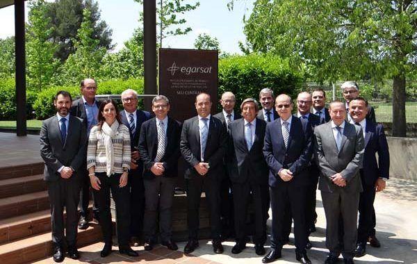 La Junta Directiva de Egarsat recibe la visita del presidente de AMAT