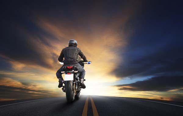 Guía de Seguridad Vial de los motoristas ¡No te quedes sin ella!