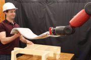 RoboRaise es un brazo robótico ideado para trabajar en equipo