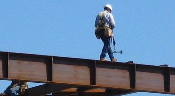 Limitadas las ETT en obras de construcción y trabajos en tendidos de alta tensión