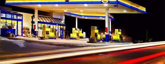 Un juzgado reconoce a una trabajadora de una gasolinera la prestación por riesgo de lactancia - Descarga