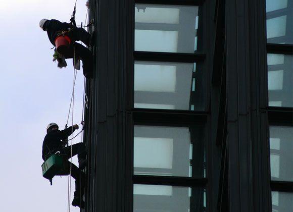 El IBV y CCOO PV estudian cómo mejorar la prevención en los trabajos en altura