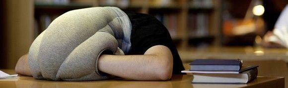 La almohada avestruz: ¿la solución a la siesta en la oficina?