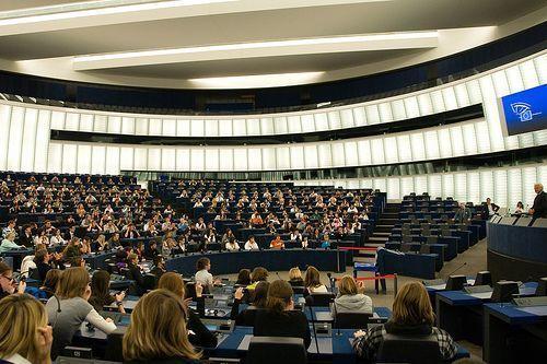 El Parlamento Europeo pide respeto de los derechos humanos a las empresas