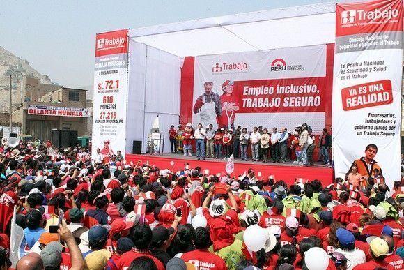 En #Perú el presidente Ollanta Humala suscribe el Decreto Supremo que aprueba la Política Nacional de Seguridad y Salud en el Trabajo