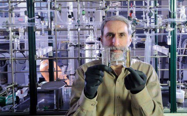 """Inventada la """"Hoja artificial"""" que convierte luz solar en combustible"""