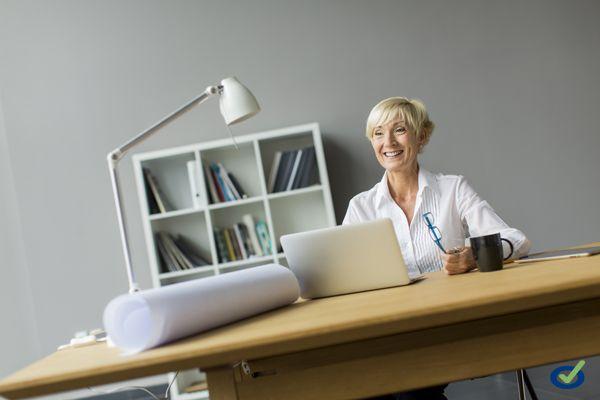 Infografía: La buena postura en la oficina