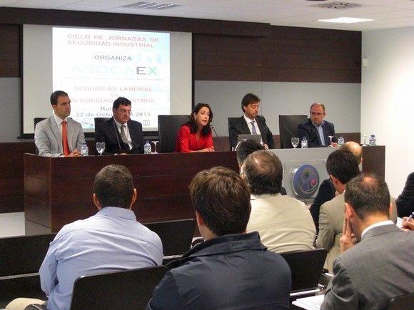 Nota de Prensa sobre la jornada de seguridad industrial y laboral organizada por ASOCAEX