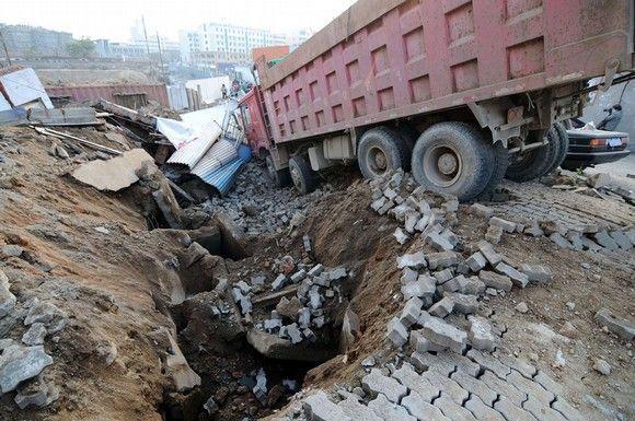 EL Presidente de China pide revisiones de seguridad en el trabajo tras la explosión de un oleoducto