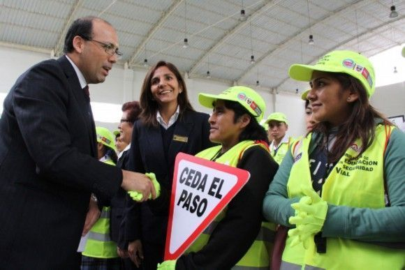 En #Perú Directores y docentes de colegios serán capacitados en seguridad vial