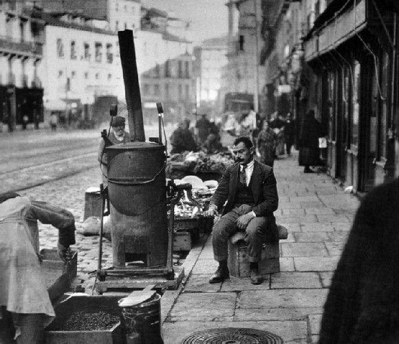 1920 Tostador de café en la calle Toledo de Madrid Visto en ibytes.es
