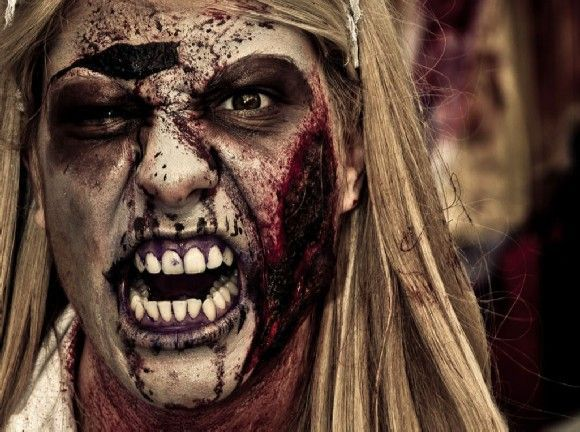 ¡Peligro! Hay un zombie en mi oficina