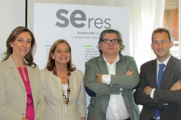 Acuerdo de colaboración entre AESPLA y CEAPAT