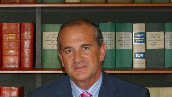 El presidente de Confebask usa el cargo para defender su sueldo en Mutualia