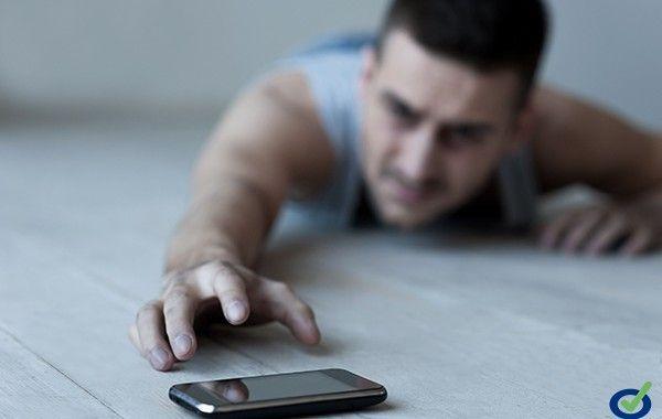 ¡Abusas del móvil! Y lo sabes