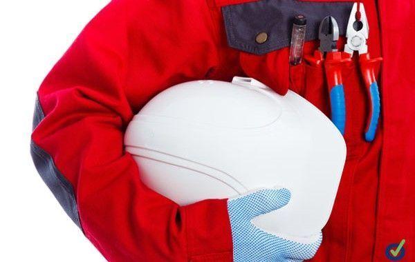 Cómo elegir un buen uniforme para elevar la seguridad de tus empleados