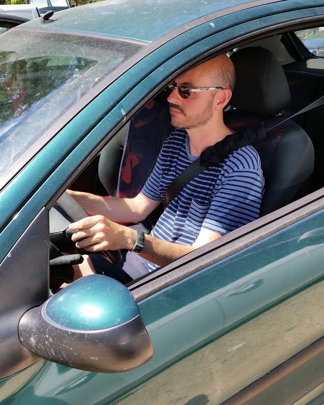 El 20% de los conductores nunca usa gafas de sol al conducir