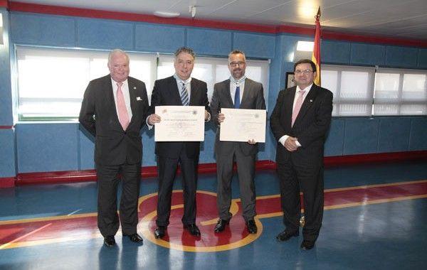 El CGPSST distingue con su máxima condecoración al Secretario de Estado de Seguridad Social y al INSHT