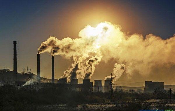 ¿Cómo evaluar la contaminación ambiental en la industria?