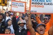 Miles de obreros marchan en NY para exigir más seguridad en las construcciones