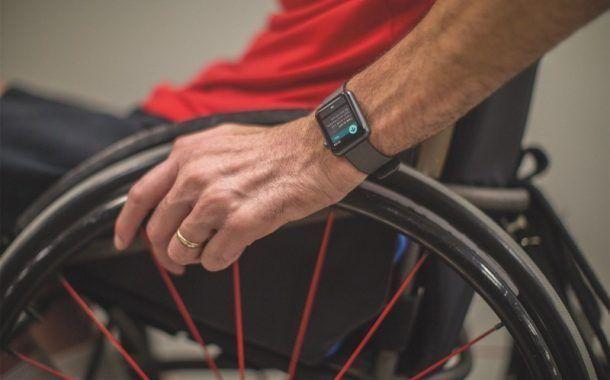 Apple Watch monitorizará la actividad física de personas con discapacidad que utilizan silla de ruedas