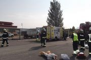 Los servicios de emergencia del Gobierno de Navarra colaboran en un simulacro realizado en el aeropuerto
