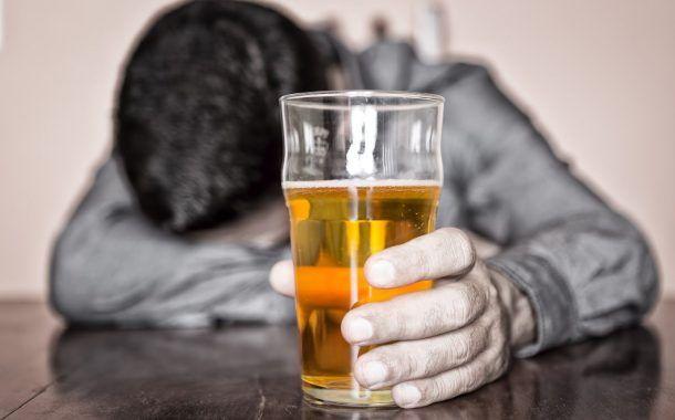 Clima laboral, estrés laboral y consumo de alcohol en trabajadores de la industria