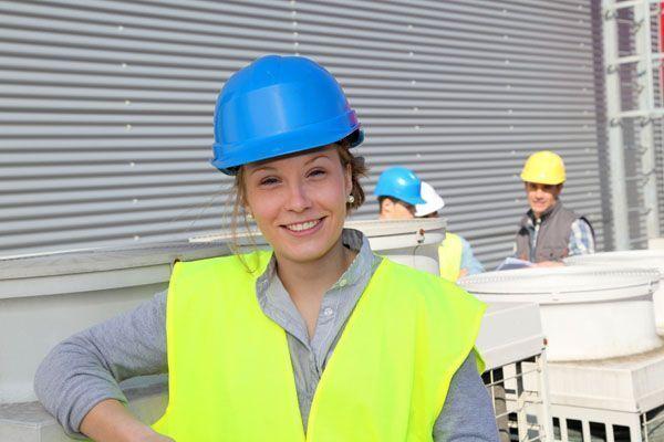 Impacto de la formación en España de los Técnicos de PRL en el sector industrial y construcción
