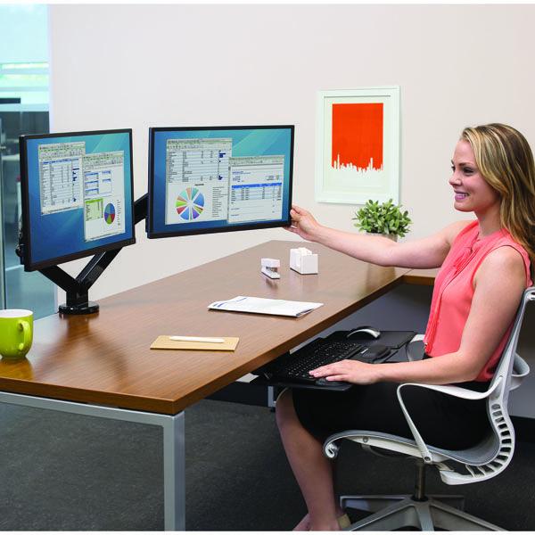 Descubre los beneficios en productividad con usar dos o más monitores