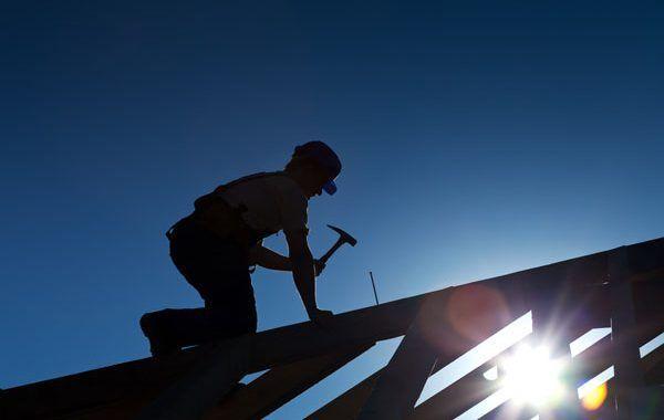 Cubiertas frágiles. Qué son y cómo proteger frente al riesgo de caída en altura en trabajos sobre ellas