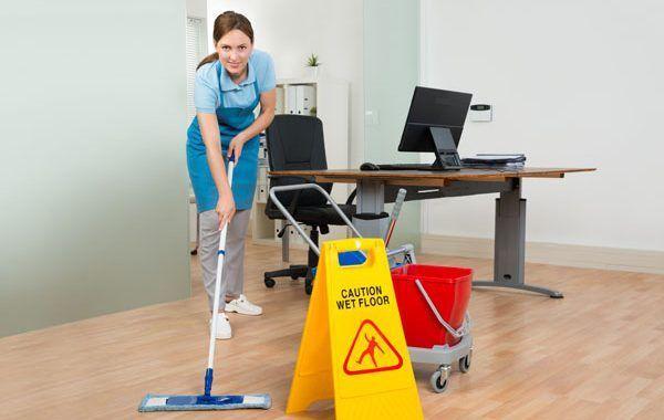 Guía de Prevención de Riesgos Laborales sobre Riesgos y medidas preventivas para el personal de limpieza