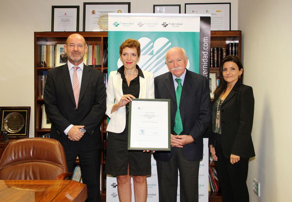 Fraternidad-Muprespa recibe el certificado de empresa saludable